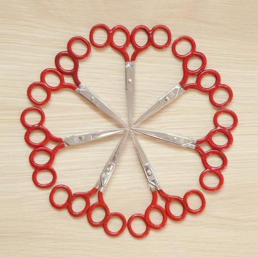 7 pairs of training scissors